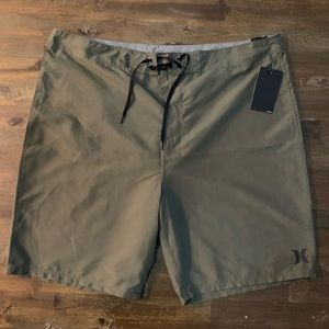 "Hurley army/olive green 21"" board shorts w pocket"
